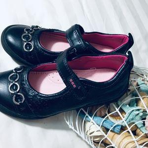 BeeKo, Shoes,stylish, amazing, Like New,  Super co